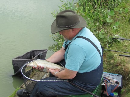 a barbel close to 3lbs