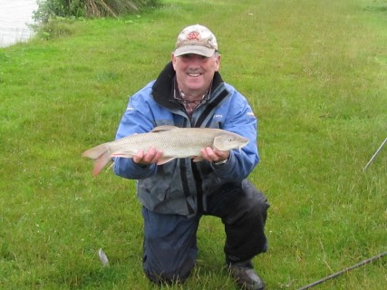 a 5lb barbel in perfect condition